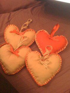 DIY lekker knutselen in de winter, hartjes voor in de kerstboom