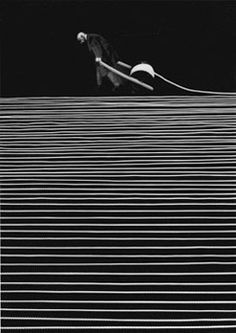 Les fils du temps - With the passing of time by Gilbert Garcin. S)
