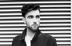 Duncan laurence duncan laurence eurovision duncan laurence the netherlands esc 2019 duncan laurence eurovision Tel Aviv, Hetalia, Eurovision France, Terry Wogan, Paint Shirts, Celebs, Celebrities, Latest Music, Male Face