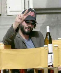 Vinho branco + Keanu Reeves =