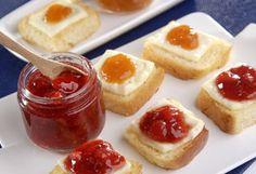 brioche com queijo minas e geléias. No clue what it means but it looks really good!