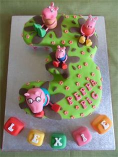 Numer 3 'Peppa Pig' Character Cake