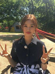 Sana Momo, Kim Doyeon, Jeon Somi, Ulzzang Korean Girl, Hair Reference, Cute Girl Face, Insta Photo Ideas, The Most Beautiful Girl, Aesthetic Girl