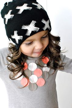 These darling slouchy beanies will keep your toddlers look stylish and stay warm during these cold months! They are super soft and comfortable 18-21 Cm. Jersey/Cotton, Hand wash