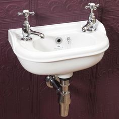 Give your bathroom a striking traditional touch with the Silverdale Victorian Micro Cloakroom Basin. Available in 1 or 2 tap hole designs. In stock. Sink, Victorian, Classic Victorian, Bathroom Style, Toilet Sink, Traditional Bathroom, Cloakroom Basin, Small Sink, Basin