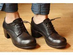Moma Shoes Damn