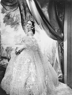Baba Beaton, Cecil Beaton's sister & one of his favorite sitters