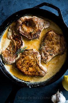 Juicy Zarte Schweinekoteletts in Milch und Dijon-Senf-Sauce.  Schweinekoteletts nie so gut geschmeckt.  |  @whiteonrice