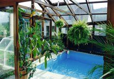 Zimní zahrada nad bazénem. Když se chcete doma cítit jako na dovolené.