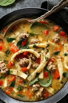 Sausage and Red Pepper Soup with Egg Noodles from afarmgirlsdabbles… Egg Noodle Recipes, Soup Recipes, Cooking Recipes, Healthy Recipes, Yummy Recipes, Yummy Food, Red Pepper Soup, Stuffed Pepper Soup, Stuffed Peppers