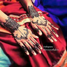 Bridal Mendhi. South Africa.  #henna #beauty #mendhinight #temporary #tattoo #hennaart #tattoos #art #hennadesign #mehndi #mehndidesign #artist #mehendi #design #artistic #party #southafrica #hennatattoo #tats #dainty #elegance #pretty #wedding #bigday #bride #teambride #bridal #weddings #knotrunningtoday #throwback