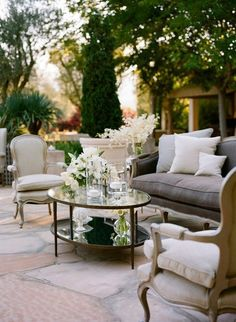 Neutral + white lounge inspiration for an outdoor wedding