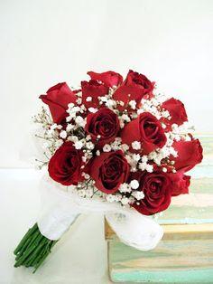 Ramos de novia con rosas Prom Bouquet, Flower Girl Bouquet, Rose Bridal Bouquet, Red Rose Bouquet, Red Bouquet Wedding, Red Wedding Flowers, Prom Flowers, Wedding Flower Arrangements, Bride Bouquets