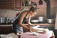 Ez a recept nem csak hogy cukormentes de glutént sem tartalmaz, mi több, olajat sem, és még vegán is. Egy próbát megér! Cooking Classes, Cooking Time, Best Cookbooks For Beginners, Starting A Catering Business, Banana Madura, Oven Canning, European Cuisine, Vegetarian Cooking, How To Make Bread