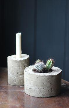 {Make it} DIY concrete planters « Growing Spaces Diy Concrete Planters, Cement Pots, Diy Planters, Diy Candle Holders, Diy Candles, Plant Holders, Diy Home Interior, Stone Plant, Papercrete