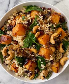 Winter Quinoa Salad with Roasted Squash, Caramelized Onions and Wilted Spinach – Essen und Trinken Wilted Spinach Recipe, Spinach Recipes, Vegetarian Recipes, Cooking Recipes, Healthy Recipes, Cooking Tips, Avocado Recipes, Slow Cooking, Menus Healthy