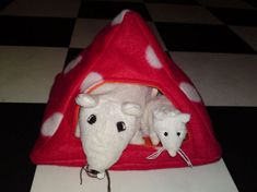 Rat hammock tutorial - Pyramid House (site is in Dutch, but photos are easy to follow) #rats #tutorial
