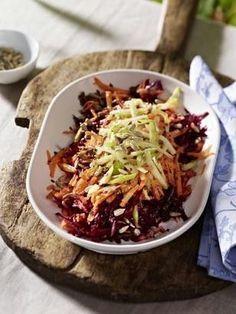 Rote Bete-Möhren-Apfel-Salat mit Honig-Senf-Dressing Rezept