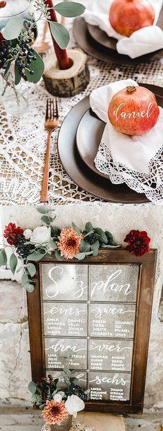 Kupfer und Spitze, Holz und Granatapfel: Aus diesen Zutaten lässt sich eine herbstliche Hochzeitsdeko zaubern, die ebenso elegant wie gemütlich wirkt!