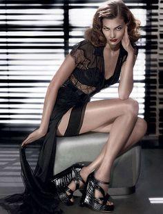 Karlie Kloss Dior Black Lace