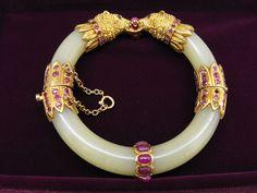 Jade Bangle Jade Jewelry, Stone Jewelry, Pearl Jewelry, Crystal Jewelry, Indian Jewelry, Antique Jewelry, Jewelery, Vintage Jewelry, Jade Bracelet