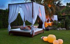 La cama balinesa para el exterior