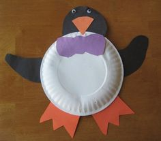 A great way to create a penguin out of a paper plate - Southern Outdoor Cinema expert tip for theming and enhancing an outdoor movie event.