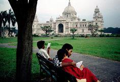 Reading In India by Steve McCurry - #ObiettivoLeggere - @Libriamo Tutti  http://www.libriamotutti.it/