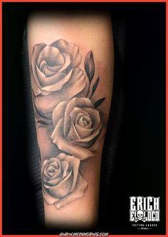 Schöne Rosa Rosen-Tätowierung  #rosen #tatowierung Mom Tattoos, Wrist Tattoos, Tattoo Girls, Flower Tattoos, I Tattoo, Tatoo Rose, Rosen Tattoo Frau, Tattoo Mutter, Aquarell Tattoos