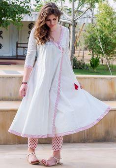 Angrakha Style, Kurta Style, Fancy Dress Design, Cotton Long Dress, Designs For Dresses, Western Dresses, Indian Fashion, Blouse Designs, Silk Kurti