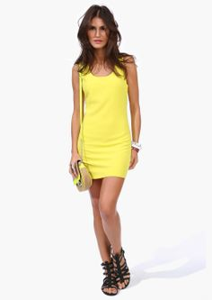 pretty yellow dress!!