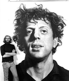 Chuck Close in 1969 with his portrait of Philip Glass. This portrait has become a widely recognized symbol for more than the worth of the composer. Through the many interesting characteristics - Chuck Close has captured Philip Glass for time. Chuck Close Paintings, Chuck Close Art, Chuck Close Portraits, Amazing Paintings, Realistic Paintings, Amazing Artwork, Philip Glass, Pop Art, Montage Photo