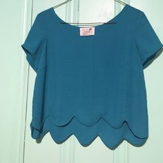 Teal LA Hearts Scalloped Crop Top Teal LA Hearts Scalloped Crop Top Size Small • NWOT • Original Price $28.95 • Open to offers LA Hearts Tops Crop Tops