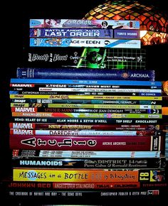This week's comic book Hardcover & Trade Paperback stack weighed in at a stout 22.4 Pounds (10.16047 Kilograms or 1.6 Stone)!