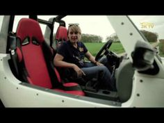 Jutta Kleinschmidt testet Quadix Buggy 800 Straßenversion - YouTube