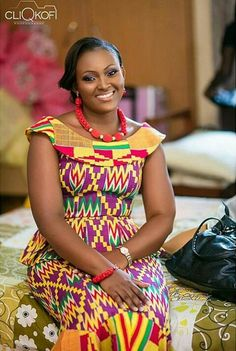 This post can show you the most recent kente designs 2019 has future for you. we have collected the best 77 styles of Latest Kente Designs For Ghanaian Wedding 2019 from African styles attires. African Print Dresses, African Print Fashion, Africa Fashion, African Fashion Dresses, African Dress, African Attire, African Wear, African Women, Kente Dress