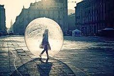"""coisa de mulher...entre outras coisas...: você se perde quando elege alguém como paraíso......Pronto, agora estou segura, seguro, encontrei o paraíso, será?  """"Para Adão, o paraíso era onde estava Eva."""" Mark Twain"""