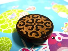 Wood buttons - beautiful Brown Wooden buttons with Khaki Decorative pattern. 0.59 inch, 10 pcs on Etsy, $5.00