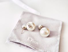 {DIY | asymmetric chic ⋅ how-to : double pearl earrings inspired by dior}