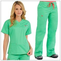 Nursing Student Stress People Product - All For Simple Hair Cute Scrubs Uniform, Scrubs Outfit, Cute Medical Scrubs, Nursing Scrubs, Scrubs Pattern, Green Scrubs, Medical Uniforms, Womens Fashion For Work, Trousers Women