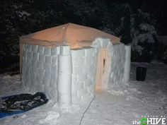 How To Build An Amazing Snow Fort - Love the idea of making the roof a tent. Diy Fort, Snow Castle, Snow Activities, Build A Fort, Snow Sculptures, Snow Art, How To Make Snow, Cool Inventions, Winter Kids