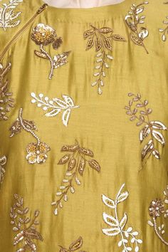 Yellow floral embroidered kurta and mint brocade sharara set available only at Pernia's Pop Up Shop. Embroidery Suits Punjabi, Zardosi Embroidery, Embroidery On Kurtis, Embroidery Neck Designs, Hand Work Embroidery, Indian Embroidery, Gold Embroidery, Embroidery Fashion, Embroidery Patterns