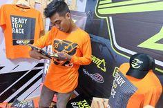 "1) T-shirt OP27 Factory Racing TOP27-007 Orange Lengan Panjang  2) T-shirt OP27 Factory Racing ""Ready to Race"" TOP27-010 Orange  3) Topi OP27 Factory Racing COP27-001 Black  087845622777 (WA, SMS, & Telp) / D17560D1 (BBM) / op27factory (LINE)"