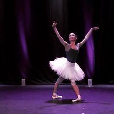 Ballet Gif, Ballet Dance Videos, Dance Choreography Videos, Ballet Dancers, Dance Photography Poses, Dance Poses, Ballet Pictures, Dance Pictures, Gymnastics Videos