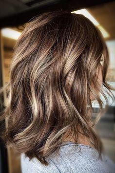 Brunette Hair Color With Highlights, Short Brunette Hair, Dark Blonde Hair, Golden Brunette, Medium Short Hair, Medium Hair Styles, Long Hair Styles, Burnette Hair, Hair Dos