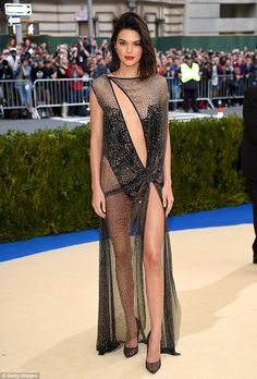 Sold! Kendall Jenner has sold her apartment for a cool $1.4 million after initially puttin...