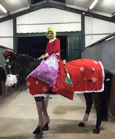 Concurso #fotos #hipica #navidad #caballos #jinete #amazona tienda de #hipica http://www.totcavall.com   en @LaNuciaES @totcavall