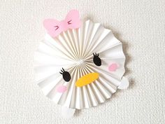 Bolo Mickey E Minnie, Mickey Party, Diy Paper, Paper Art, Paper Crafts, Disney Scrapbook Pages, Diy Scrapbook, Mickey Mouse Template, Tsum Tsum Party
