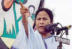 Stung by criticism of her government's choice of newspapers for state-aided libraries and a professor's arrest over circulation of a cartoon showing her in poor light, West Bengal Chief Minister Mamata Banerjee has alleged a section of the media saw her government in poor light.