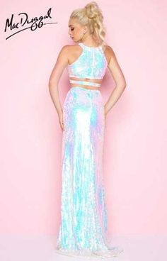 Prom Dresses 2018 Two Piece Iridescent Sequin Halter Prom Dress by Mac Duggal Prom Dresses 2018, Wedding Dresses, Pretty Dresses, Beautiful Dresses, Holographic Fashion, Holographic Dress, Accessoires Photo, Looks Style, Mode Outfits